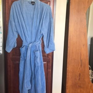 Bill Blass robe